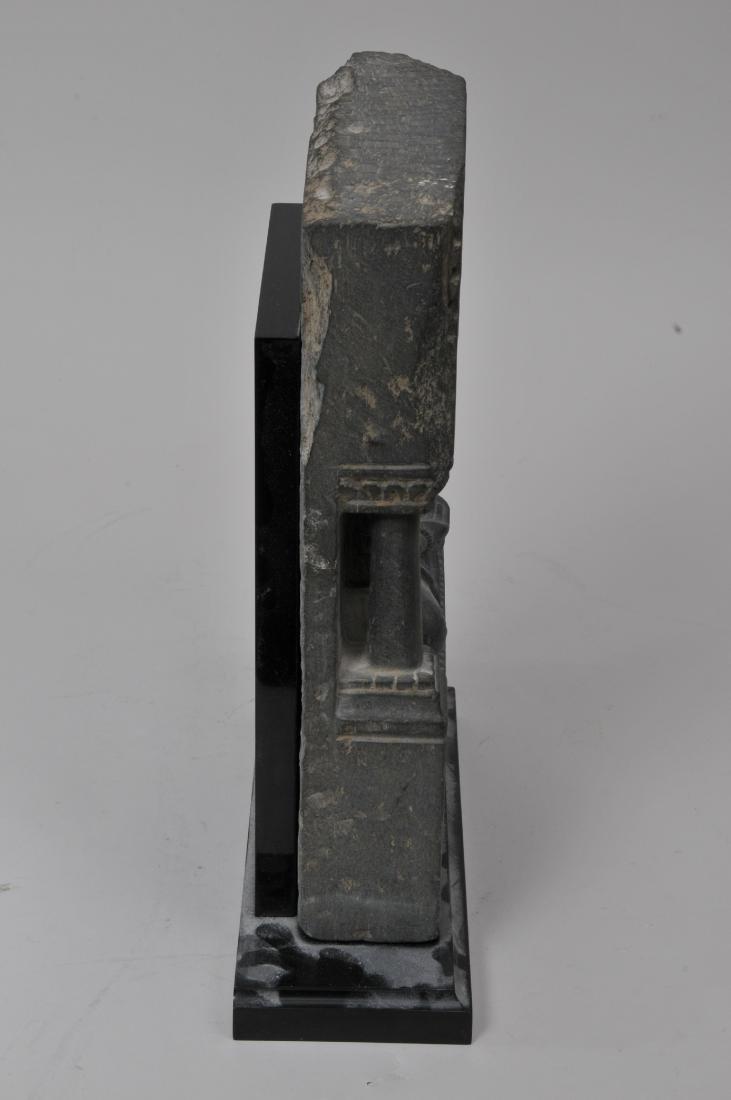 Grey schist carving. Gandharan Kingdom. (3rd c DC-2nd c - 7