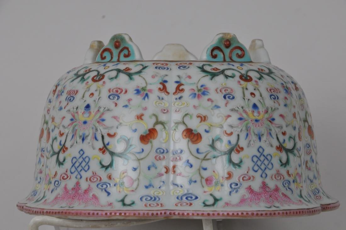 Porcelain jardinière. China. 19th century. Lobated - 7