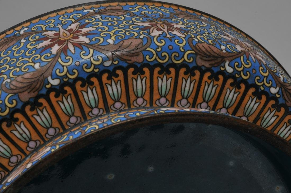 Cloisonné covered bowl. China. 20th century. Foo dog - 9