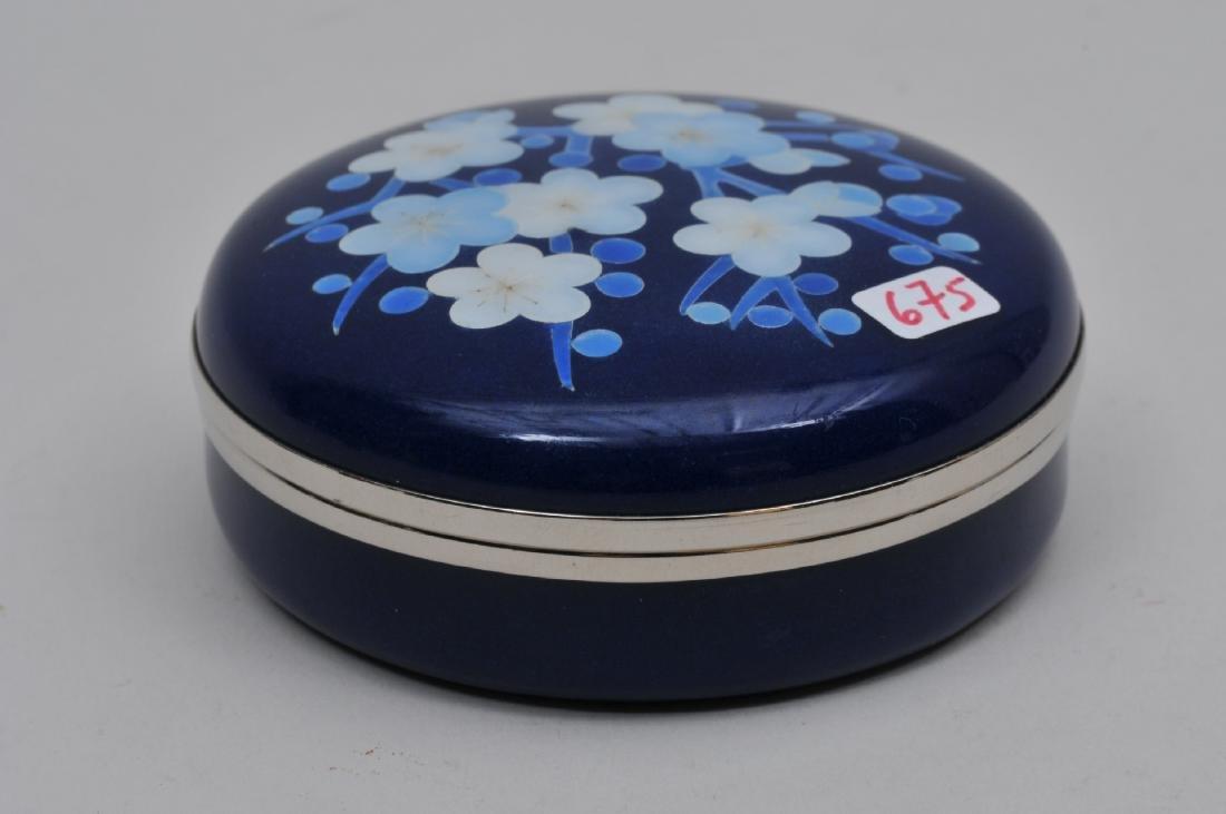 Cloisonné box. Japan. Circa 1950. Cherry blossoms on a - 4