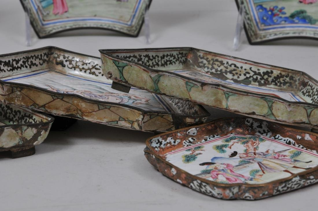 Lot of seven pieces of Canton enamel. Decoration of - 10