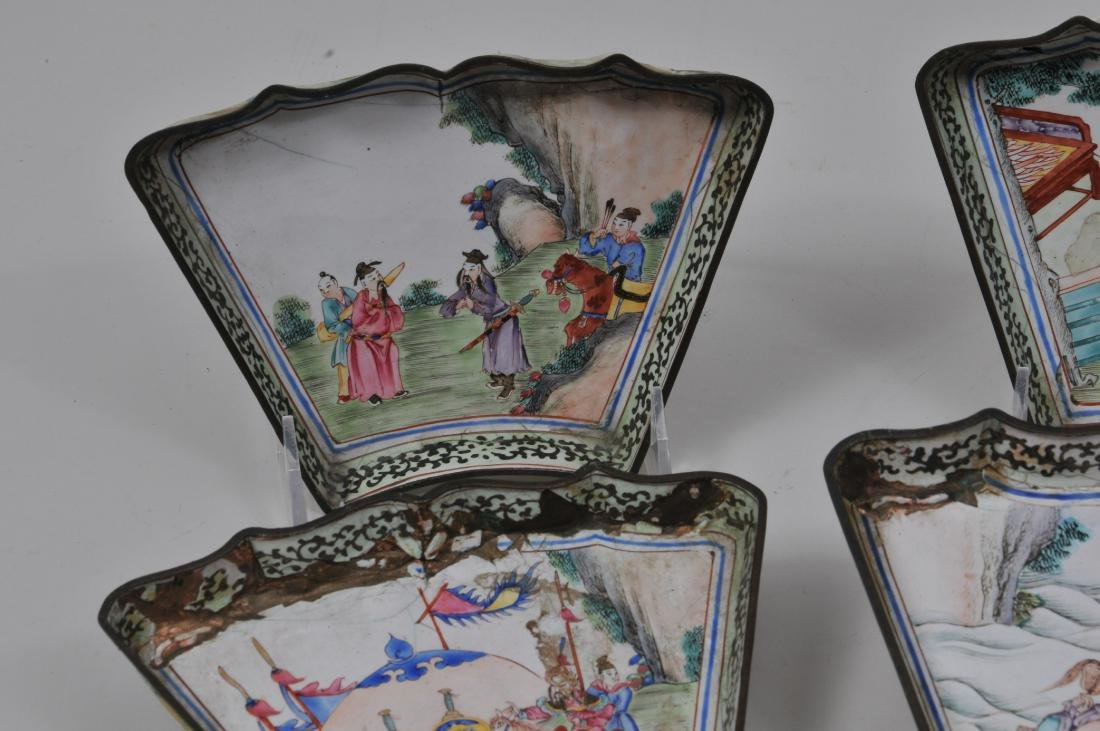 Lot of seven pieces of Canton enamel. Decoration of - 2