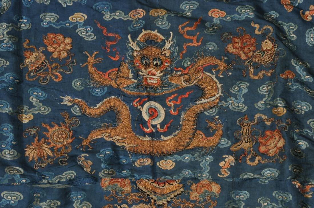 19th century embroidered silk Chinese panel. Metallic - 2