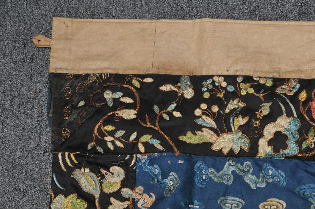 19th century embroidered silk Chinese panel. Metallic - 3