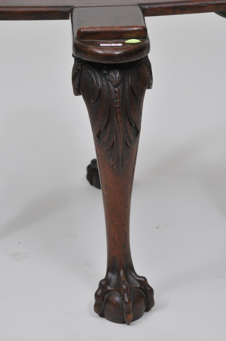 19th century mahogany Chippendale style vase or - 2