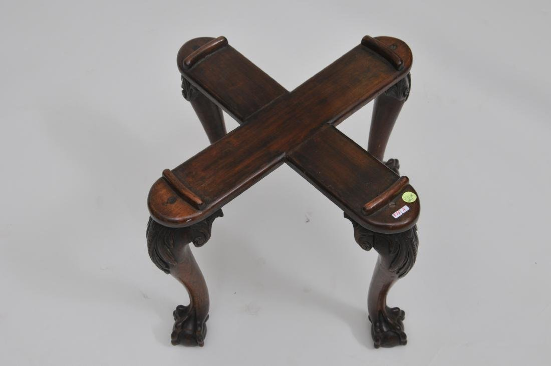19th century mahogany Chippendale style vase or - 4