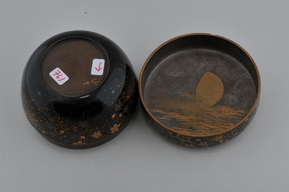 Tea caddy. Japan.  Lacquer. 19th century. Decoration of - 5
