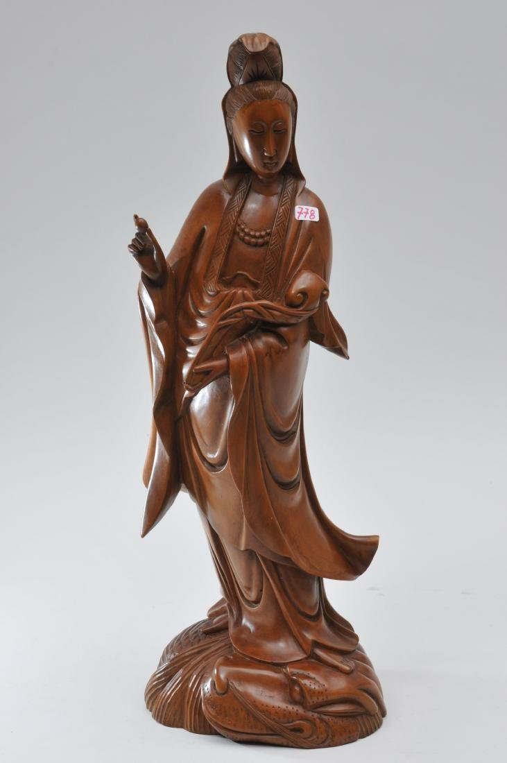 Boxwood carving. China. Late 19th century. Standing