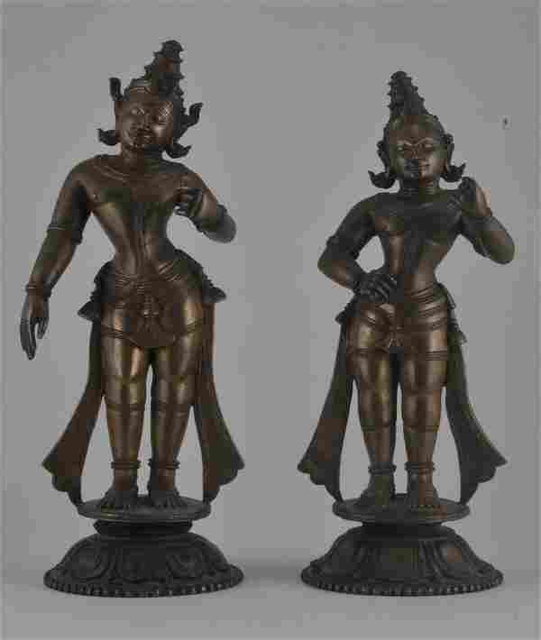 Pair of bronze images. India. 17th century. Two male