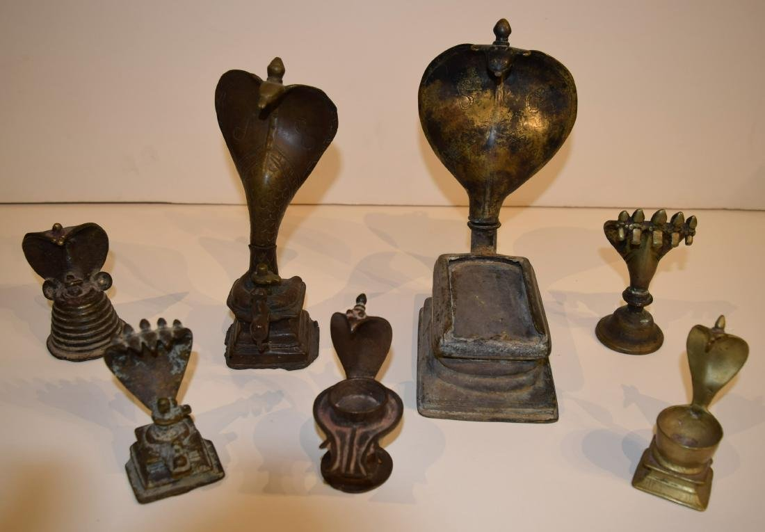 Lot of seven bronze figures. Nagajara. India. 19th