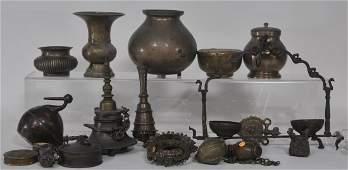 Lot of twenty bronzes. India. 20th century and earlier.