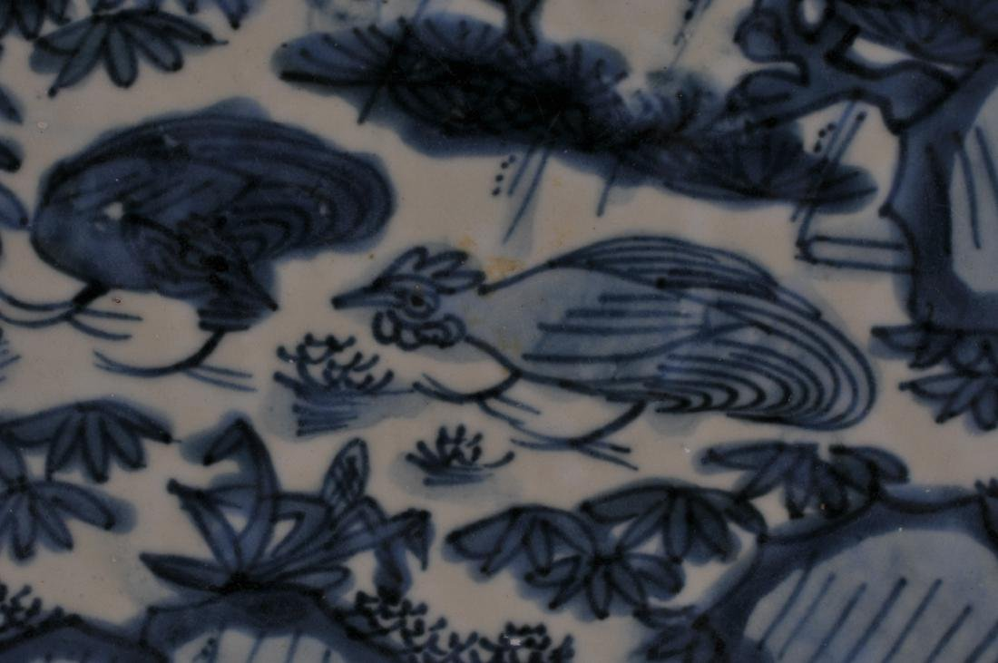 Large Chinese Ming Dynasty Swatow blue and white - 3