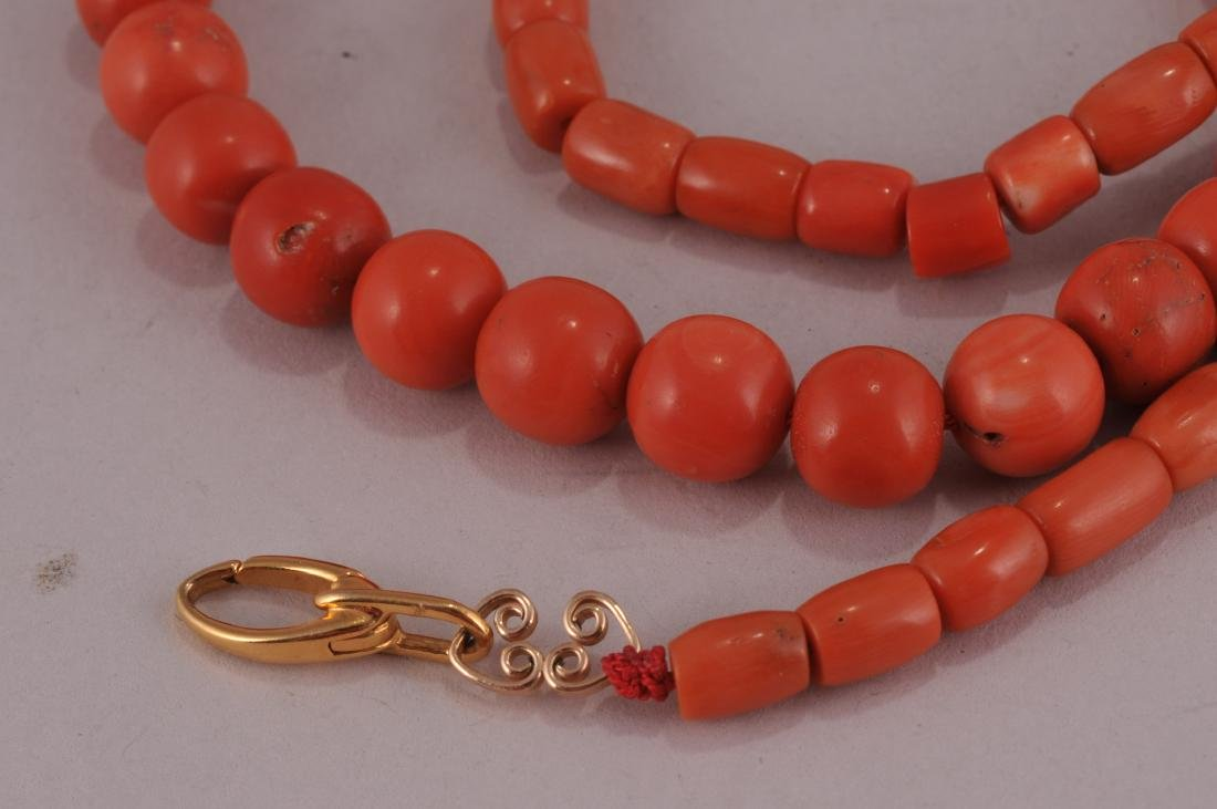 """Set of coral beads. 14 kt clasp.  Deep colour. 23"""" bead - 2"""