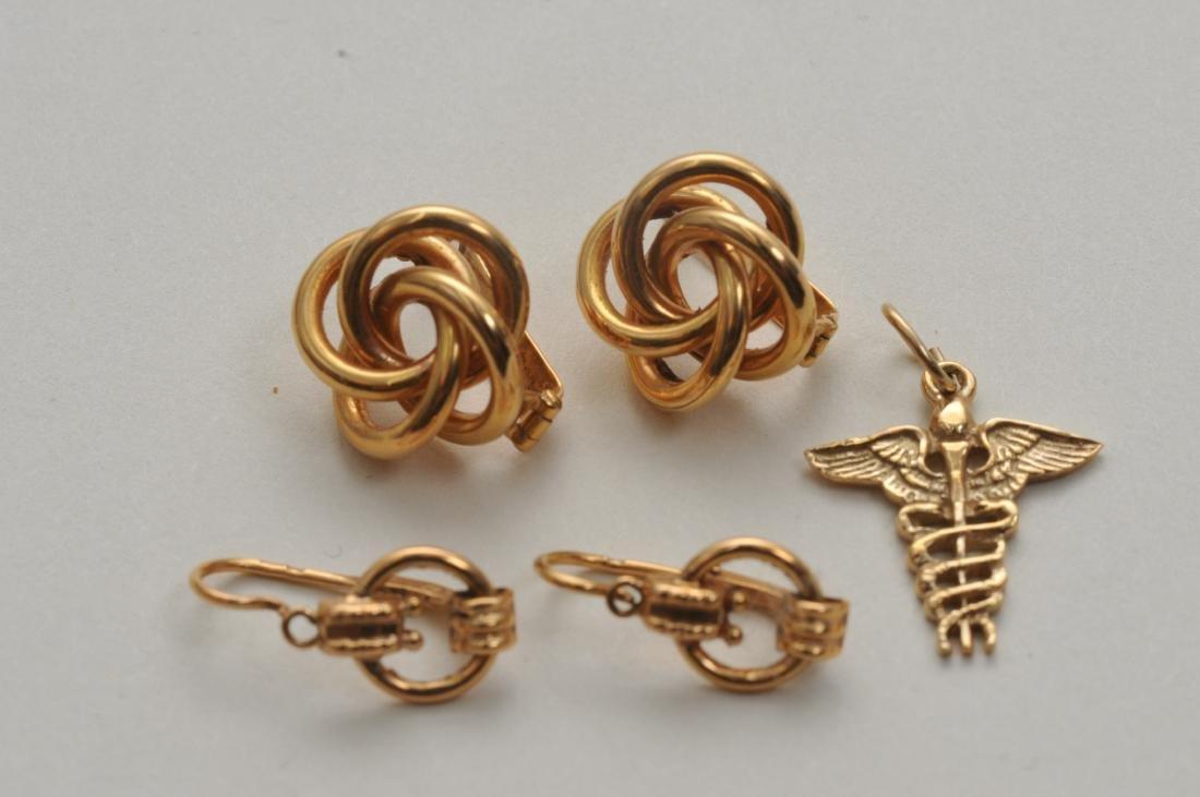 Mixed lot of 14k yellow gold jewelry. Cross pendant, 18 - 7