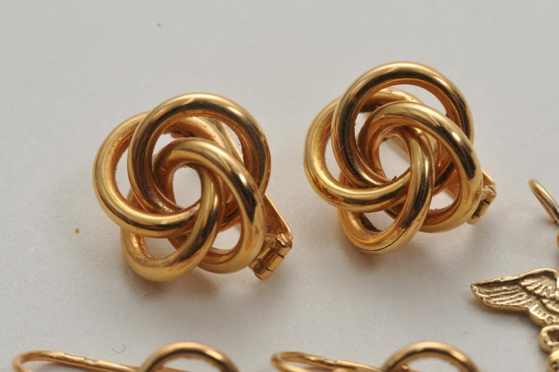 Mixed lot of 14k yellow gold jewelry. Cross pendant, 18 - 8