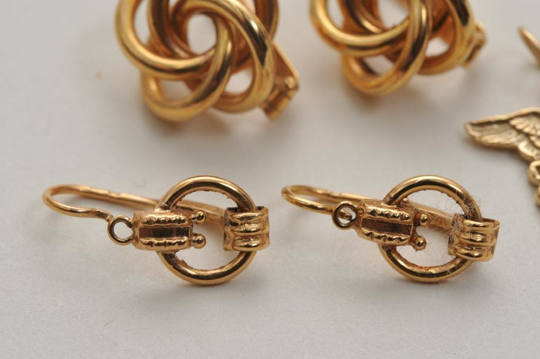 Mixed lot of 14k yellow gold jewelry. Cross pendant, 18 - 9