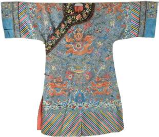 Chinese silk embroidered robe. 19th century.