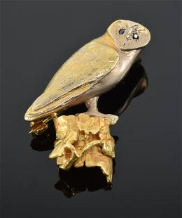 18K gold Barn Owl pin, sapphire eyes, perched on a