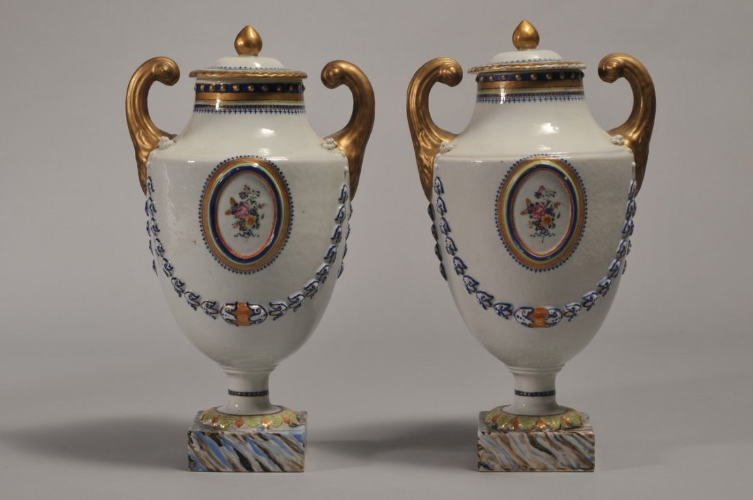 Pair of Chinese Export porcelain vases. 18th/early 19th