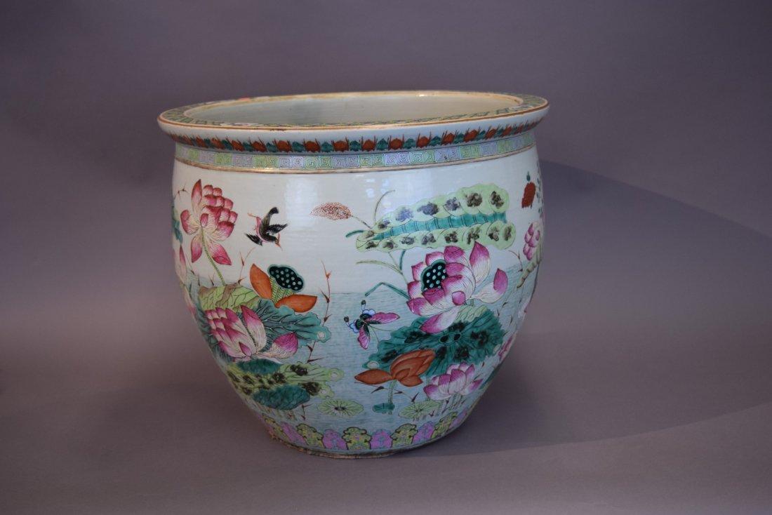 Porcelain fish bowl. China. 19th century. Famille Rose - 3