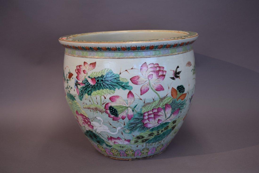 Porcelain fish bowl. China. 19th century. Famille Rose - 4