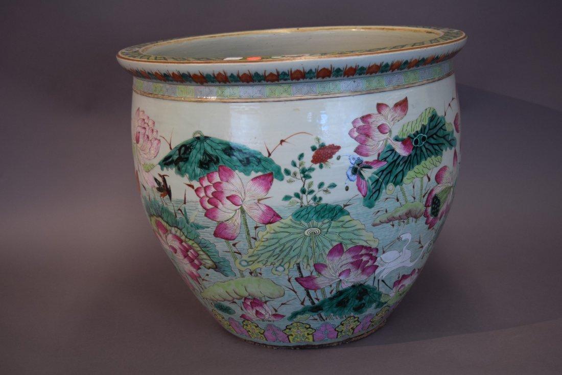 Porcelain fish bowl. China. 19th century. Famille Rose - 5
