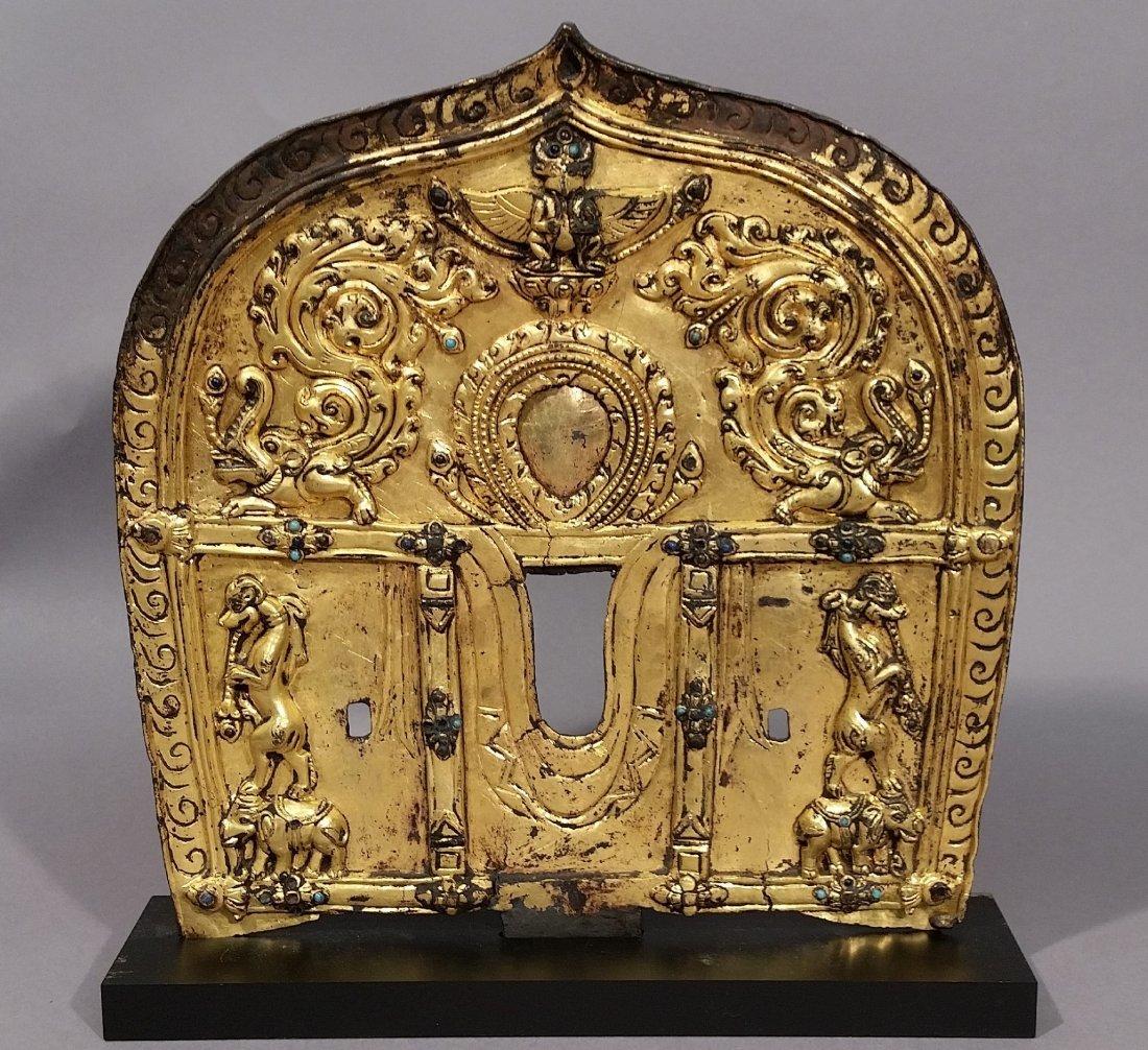 Gilt bronze halo. Nepal. 15th century. Surface