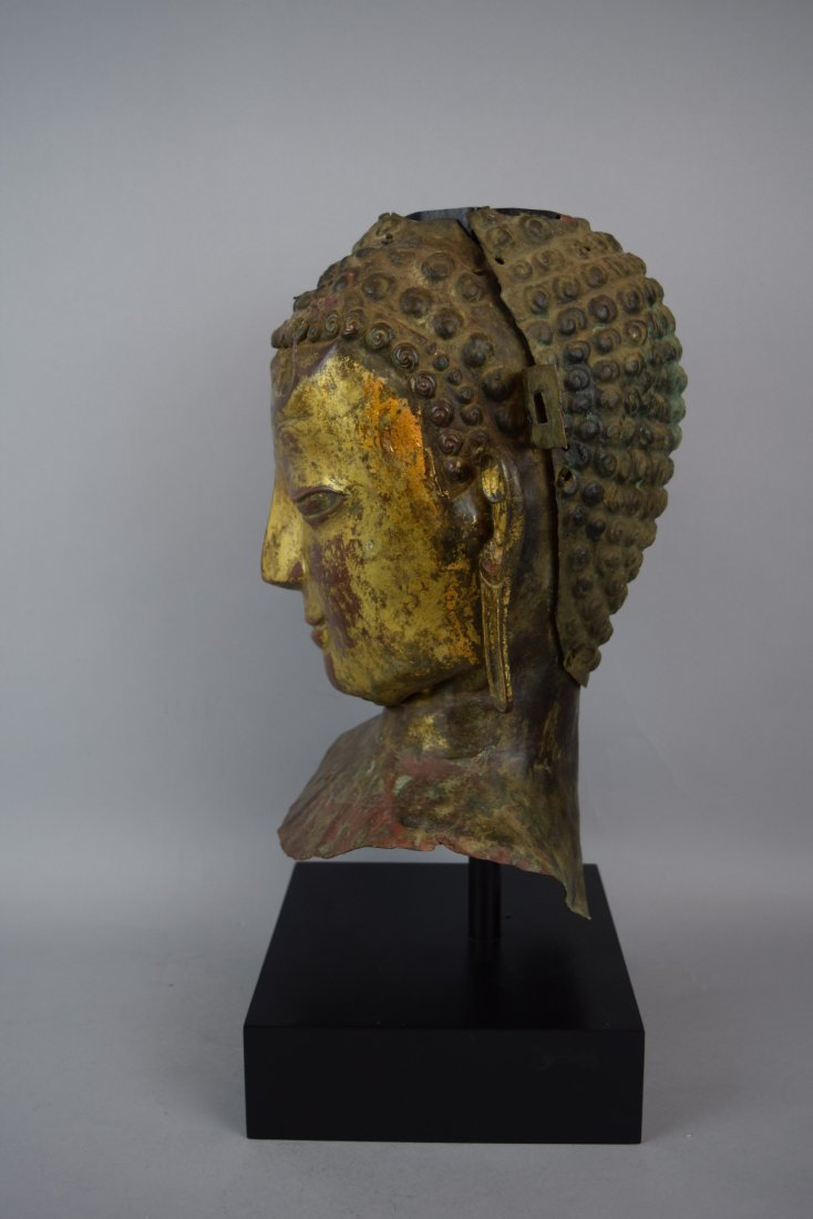 Repousse copper head of the Buddha. Tibet. 18th cent. - 3
