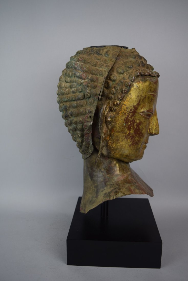Repousse copper head of the Buddha. Tibet. 18th cent. - 5