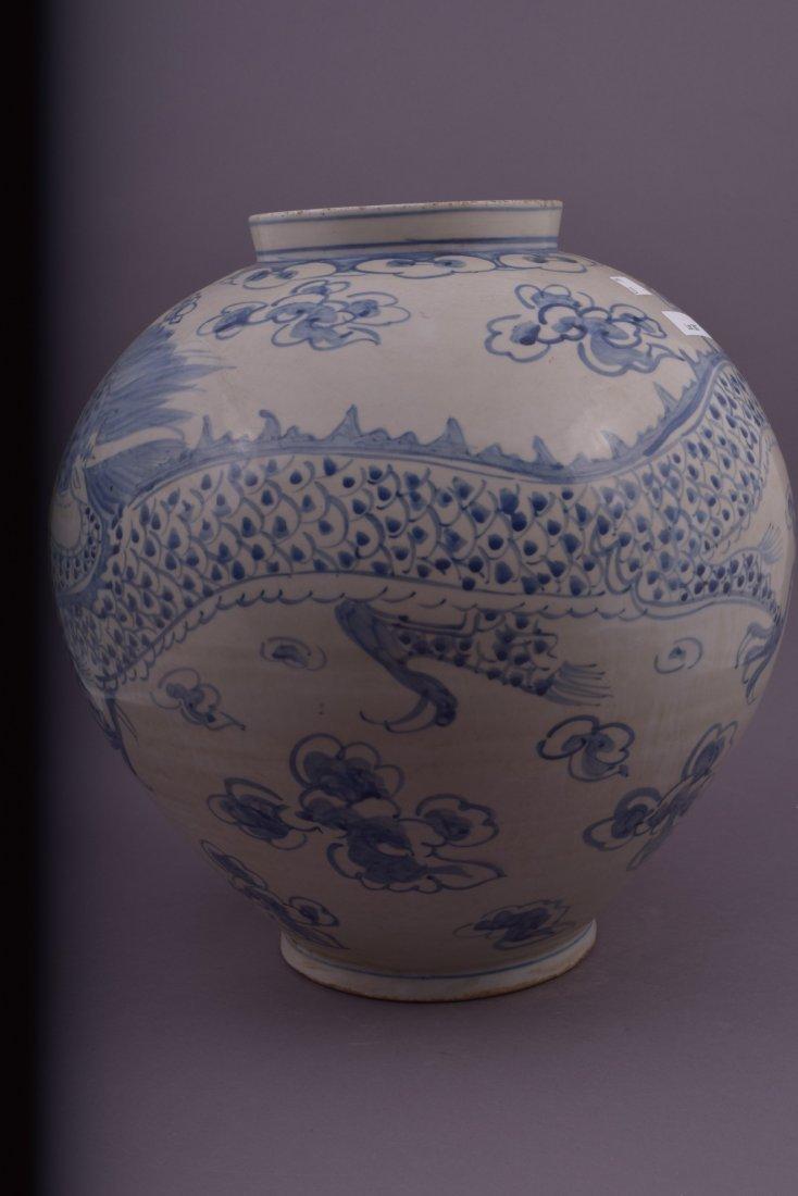 Large ovoid jar. Korean style. 20th century. Decoration - 2