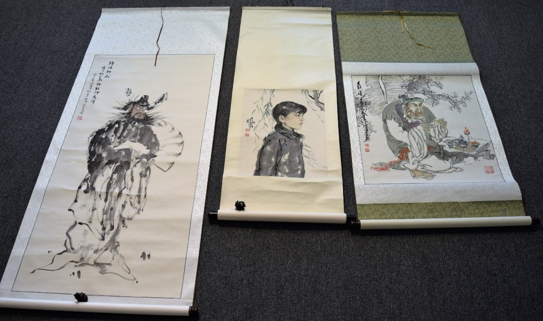 Lot of three scroll paintings. Ink and slight colours