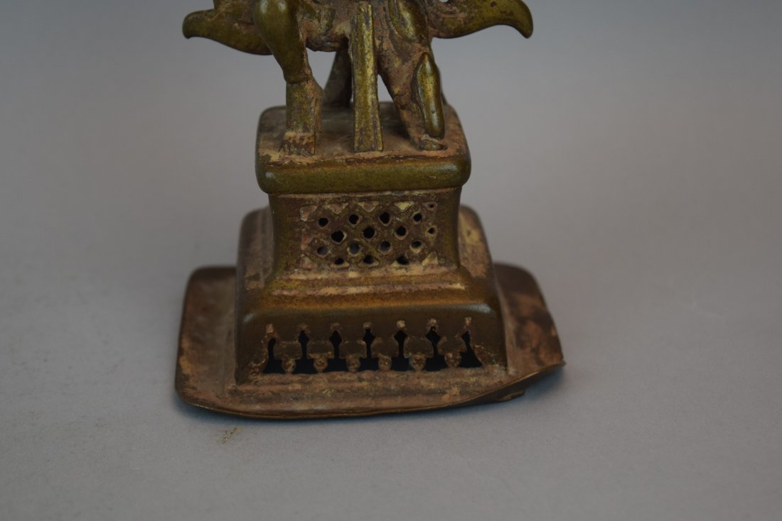 Bronze hindu Divinity. India. 18th century. Kneeling - 3
