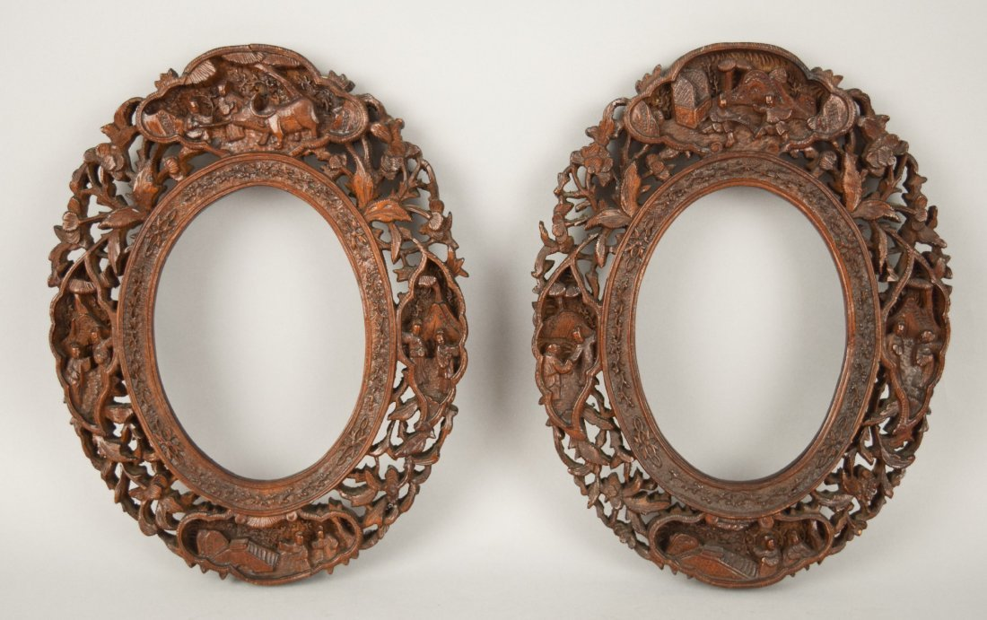 Pair of oval picture frames, Chinese Export. 19th