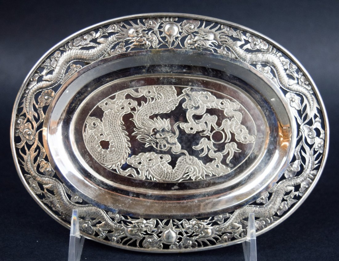 Chinese Export silver footed tray. 19th century. Oval