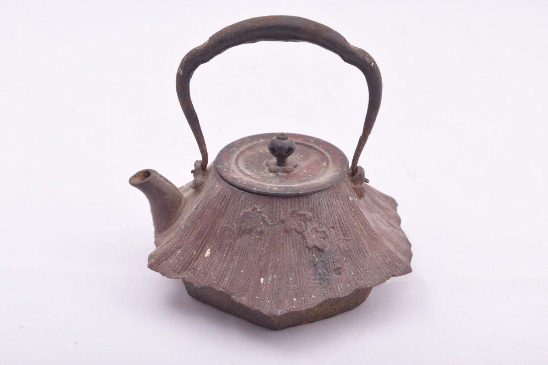 Two cast iron Meiji 19th century Japanese teapots. - 7