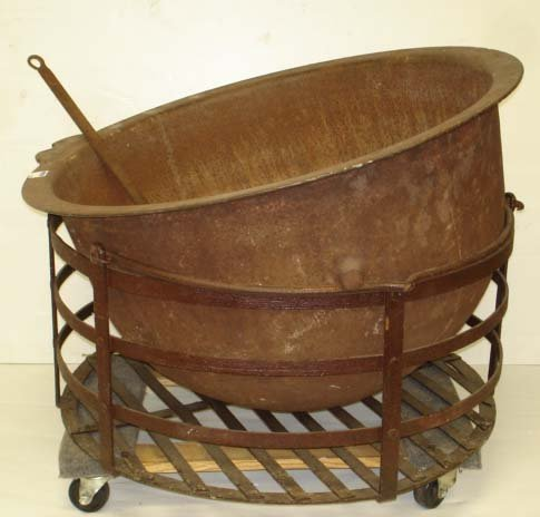 509: LARGE CAST IRON CAULDRON WITH STAND