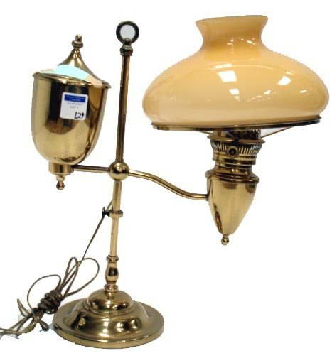 124: EARLY BRASS ADJUSTABLE BRASS STUDENT OIL LAMP