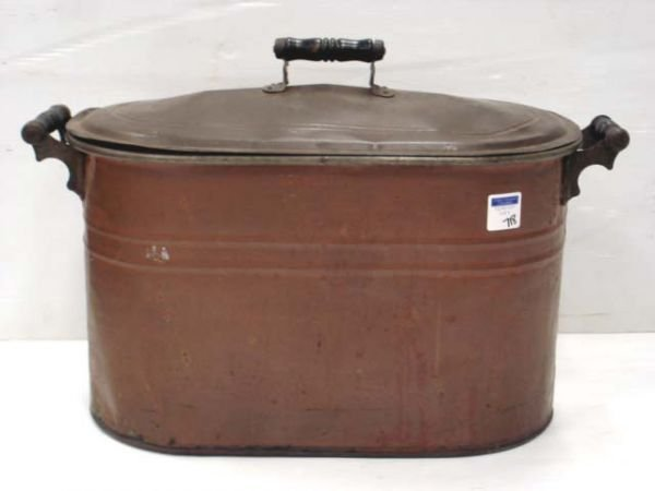 718: EARLY ROCHESTER COPPER WASH BASIN WITH LID