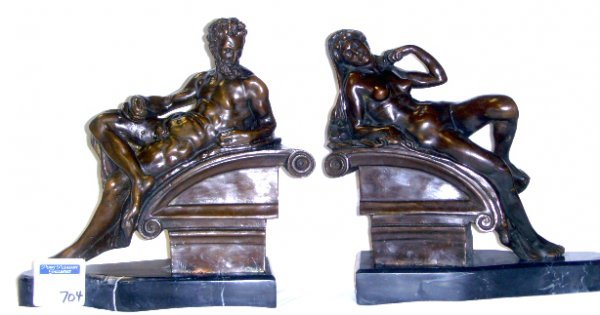 704: BRONZE MARBLE FIGURAL BOOKENDS 9 X 10 - CLASSICAL