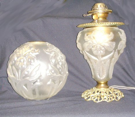 708: SUCCESS VICTORIAN SATIN GLASS LAMP - GONE WITH THE