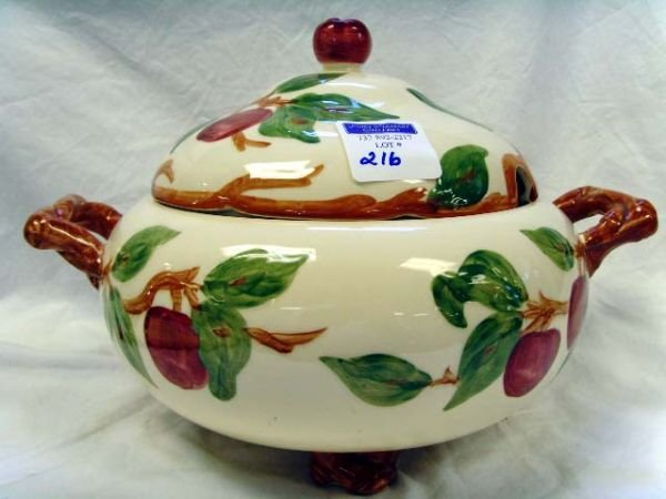 216: 216: FRANCISCAN WARE APPLE FOOTED SOUP TUREEN