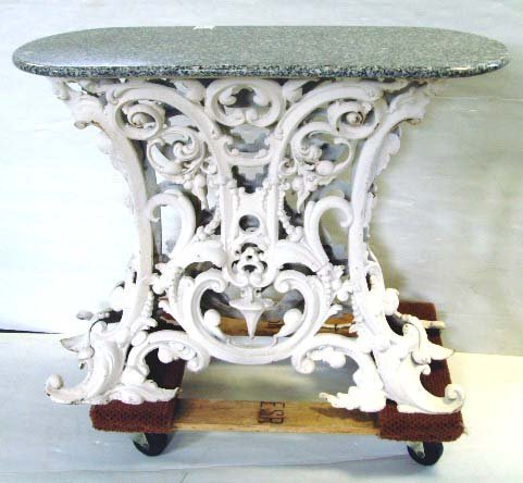 106: VICTORIAN STYLE CAST IRON GARDEN TABLE - HAVING MA
