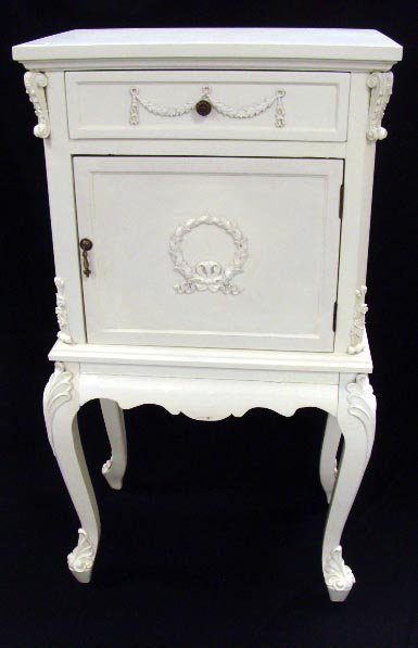 571: VICTORIAN STYLE PAINTED SIDE CABINET - 2OTH CENTUR