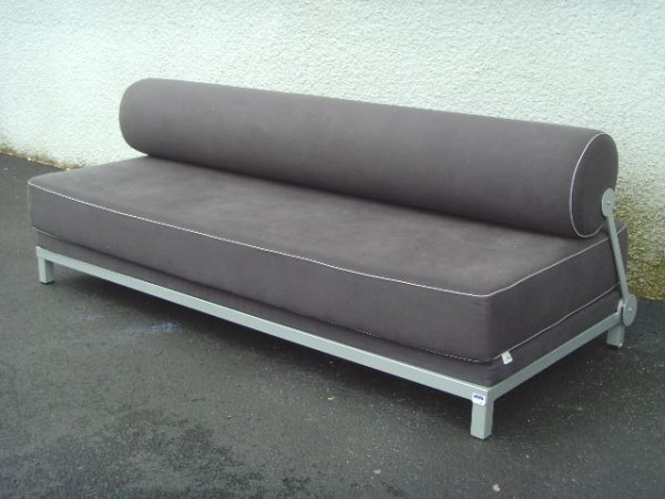 701: SOFTLINE MODERN SETTEE BED - 78 X 34 X 28