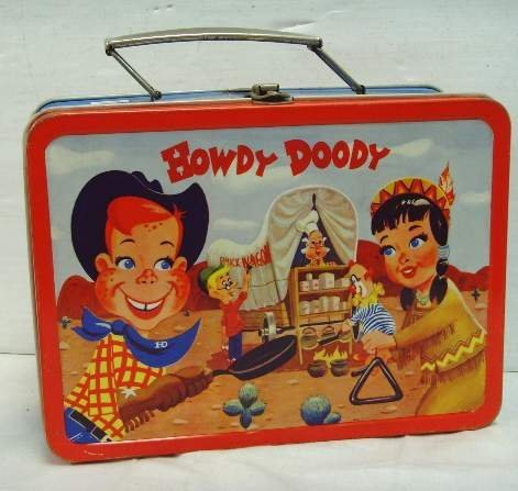 501: VINTAGE HOWDY DOODY LUNCH BOX - 9 X 6 1/2 MINOR WE