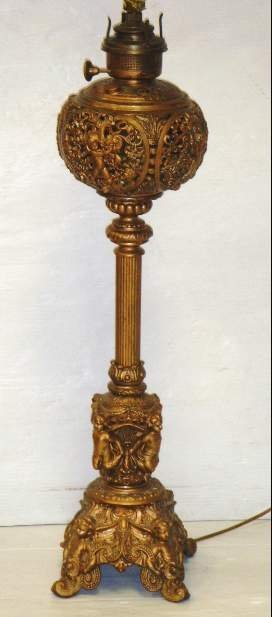 514: MERIDEN VICTORIAN FIGURAL BANQUET OIL LAMP - ELECT