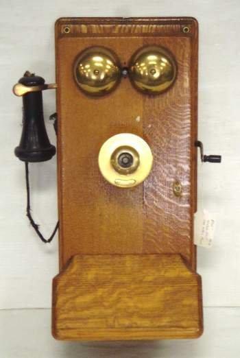107: EARLY OAK WESTERN ELECTRIC TELEPHONE - WALL MOUNT