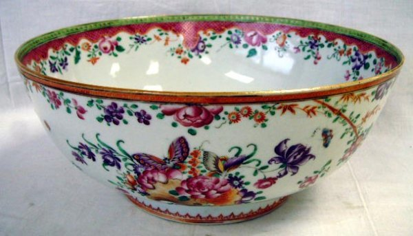 400: EARLY CHINESE DECORATED PORCELAIN BOWL - 11 1/4 X