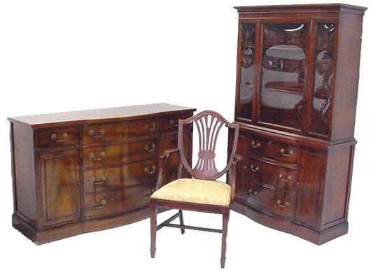 790: CLEAN 9 PC. BOWFRONT MAHOGANY DINING ROOM SET