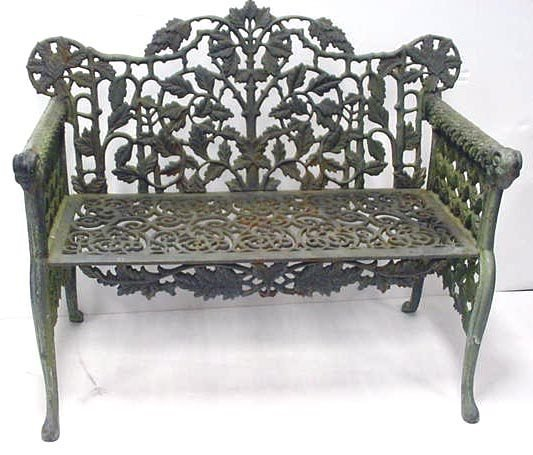 405: VICTORIAN STYLE CAST IRON GARDEN BENCH W/ RAMS